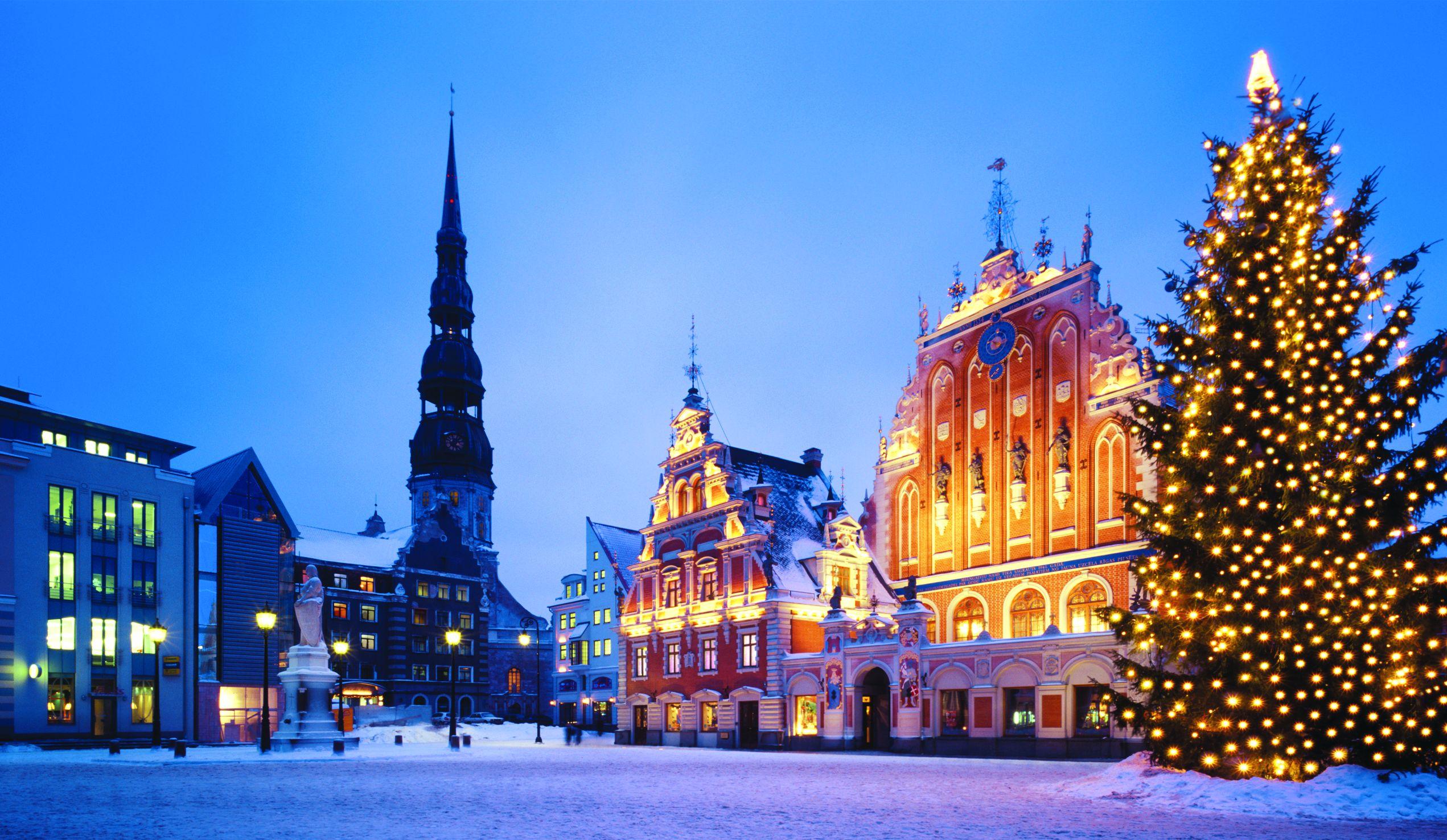 Куда поехать на Новый год в Европу недорого